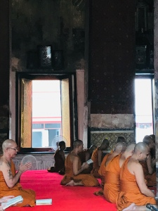 monniken in tempel